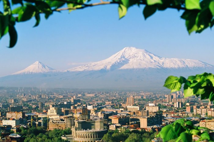 """ארמניה – מתיבת נח לרובע הארמני עם ד""""ר יצחק נוי"""
